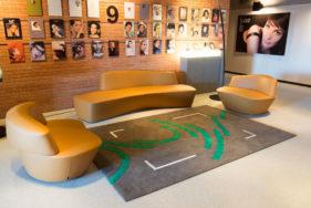 sur-un-air-de-danse, tapis-L'Oréal, salle-d-attente, bureau