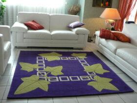 tapis violet - feuillage de lierre